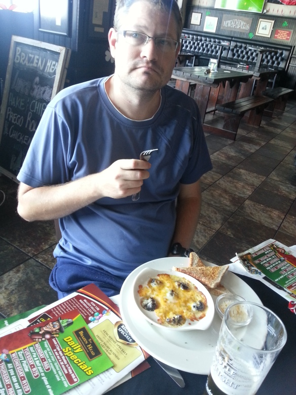 We were so full from our breakfast still that Hubby was happy with the cheesy snails starter and a Castle Draught to wash it down