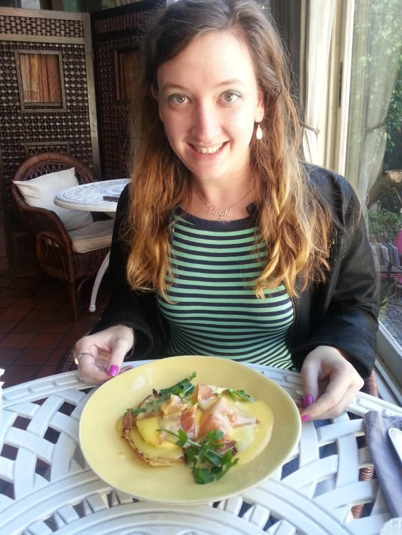 Excuse the frizzy hair, focus on the gorgeous Eggs Benedict with parma ham on a Hollandaise-sauce coloured plate. Mmm!