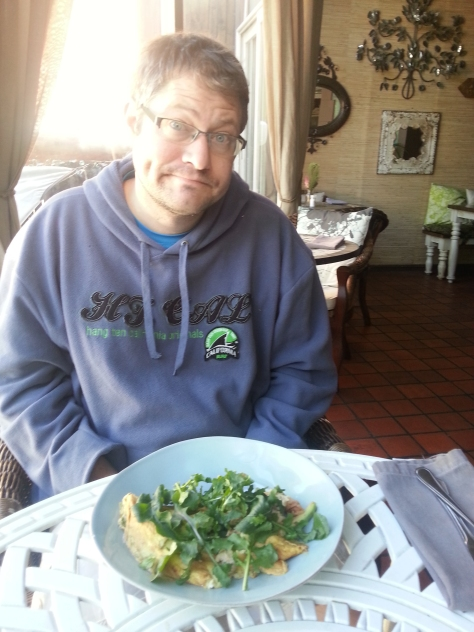 Yay brunch! Hidden under the mound of rocket was a delicious prawn, chilli and avo omelette