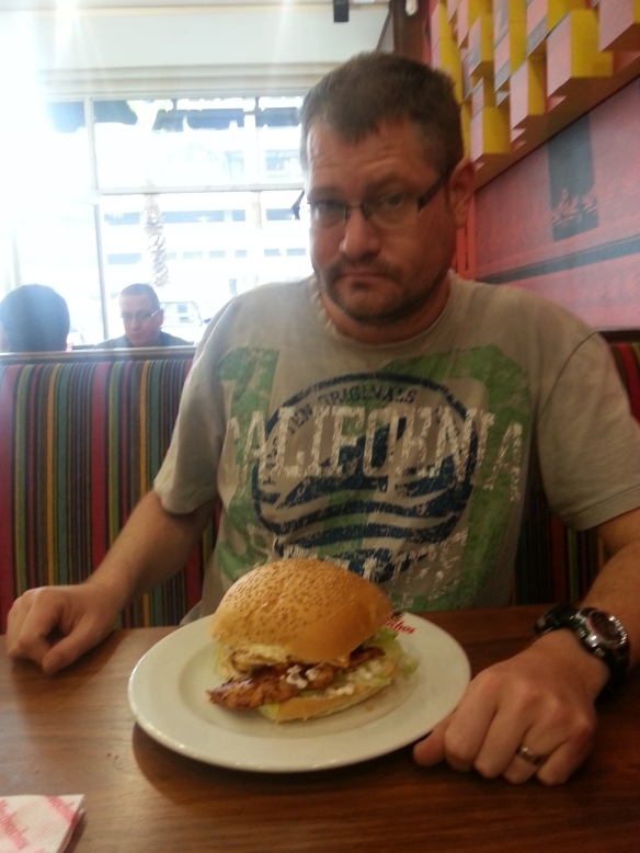 On Sunday, Husband decided to show us how to eat a Mochachos Extra Hot burger (Dynamite strength is only for visiting a new branch for the first time, he explains - rather take it easy with the softer-on-the-palate Extra Hot option)