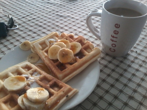 As the chicken burger reset our almost-at-the-limit sweet-teeth, we had homemade waffles with banana and syrup and coffee that afternoon at Mum's