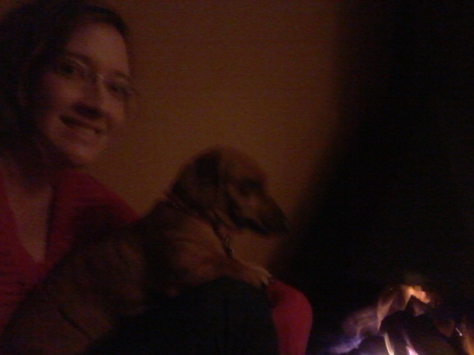 Bassie and mommy sitting by the fire
