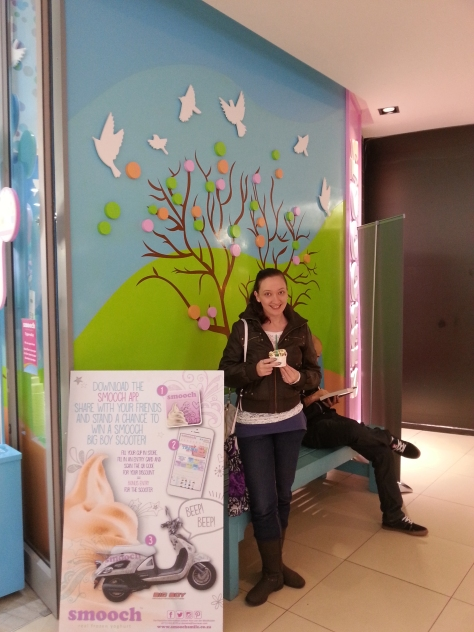 Smooch in Tygervalley has my favourite froyo flavours, plus in their current special you can fill a little tub with as many flavours as you wait (no matter the weight) for R20! Happy days. Also, apologies to random man behind me whose jeans are in the shot. You were in the way of the pretty wall