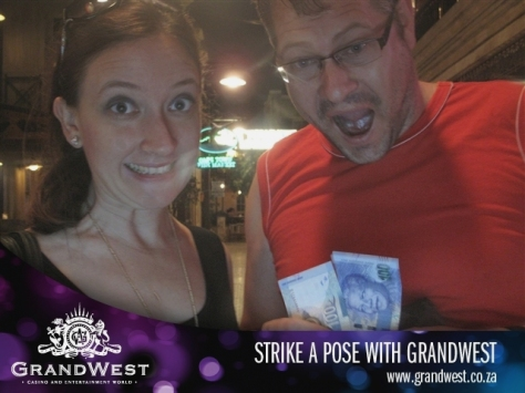 Then we decided to toss R20 into the slot machines at Grand West Casino. Ons het gewen! Those are excited/happy faces, if you can't tell.