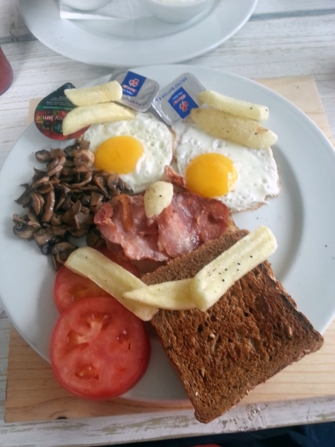 Husband rearranged the chips on his  Beach House Tavern 'Full English' breakfast plate into a smiley face. Not bad for R49 as it included mushrooms