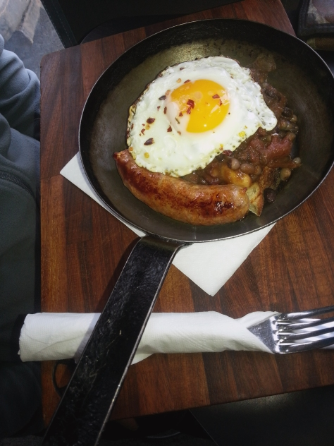 Husband was not tempted by all the sweet treats, opting instead for the Wild Wild West breakfast. His pleasing pan came with a bread base, Jack Daniels beans, fried egg and tasty sosswag.