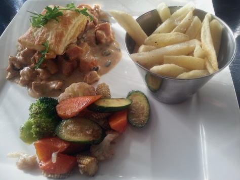 I had the chicken pumpkin pie with veggies and chips. Too delicious for words!