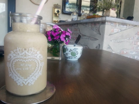 We then stopped off at the always-delightful Riverway Cafe in Hout Bay for an afternoon snack. This was my coffee shake...