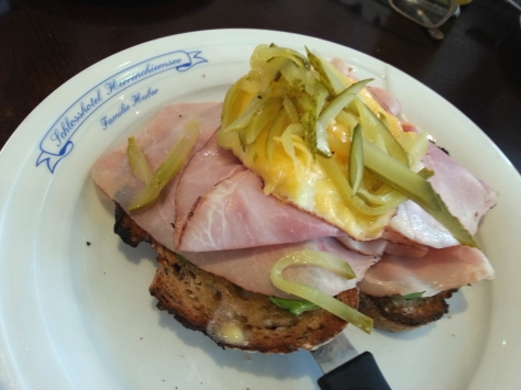 Just look at that yummy deliciousness! Parents treated me to elevensies at the Raith deli in Constantia. This is the Strammer Max - rye topped with avo, heaps of ham, cheesy egg and slices of sweet pickle.