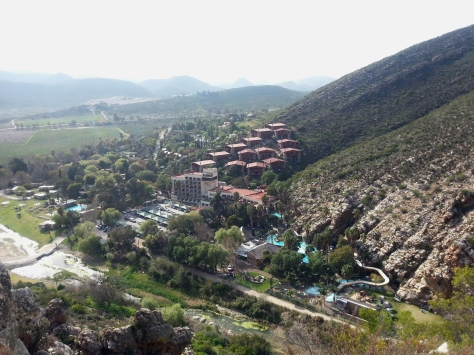 View from the top - that's the Avalon Springs resort, hotel and cabins with Montagu's springs just visible to the left of them. Note the marshy river we had to cross to get to the cave and back, filled with slippery rocks and pond weeds.