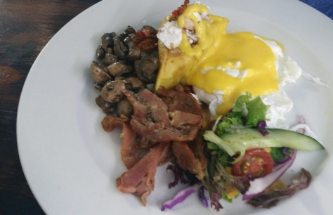 Breakfast at Petit Fours, Blouberg